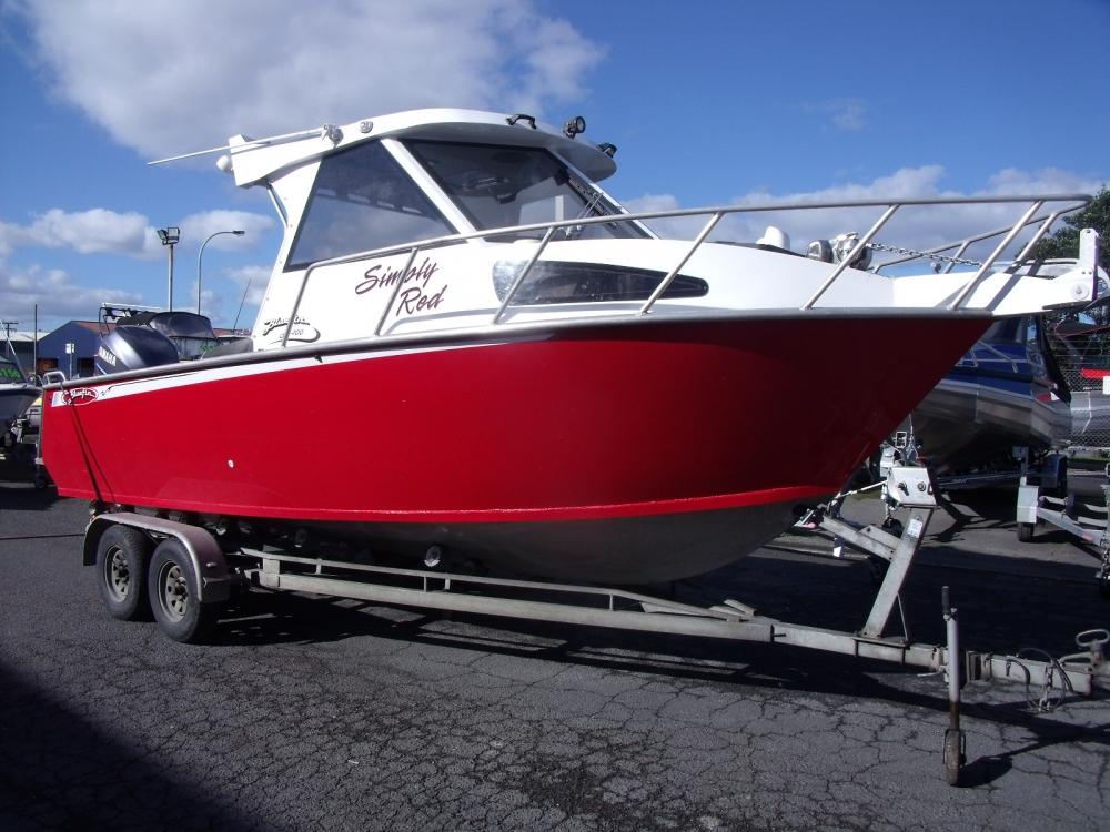 2006 Bluefin 700 Hard Top
