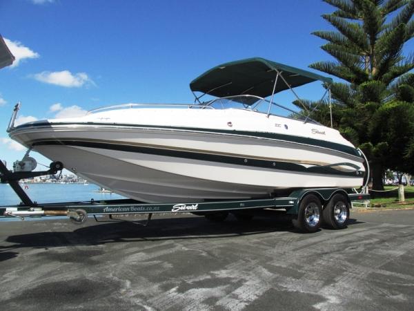 Seaswirl220 Deckboat