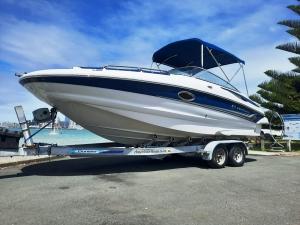 Crownline220 deckboat